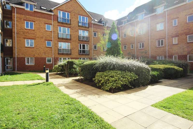 2 Bedrooms Flat for sale in Westgate Court, Reading