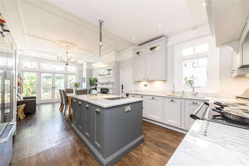 4 Bedrooms Semi Detached House for sale in Braxted Park, London, SW16