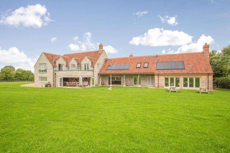 5 Bedrooms Detached House for sale in Fabulous contemporary house in BUTLEIGH with land.