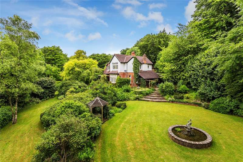 5 Bedrooms Detached House for sale in The Avenue, Westerham, Kent, TN16
