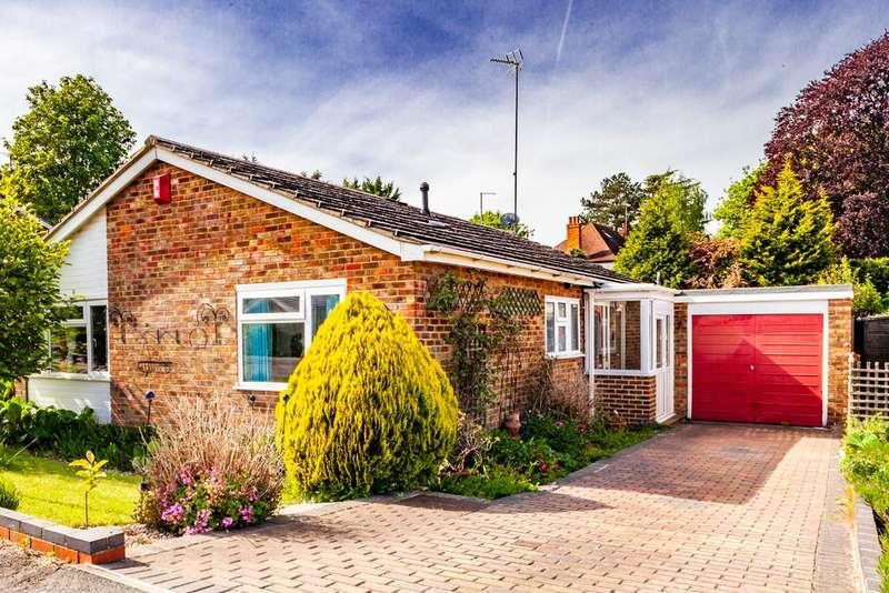3 Bedrooms Bungalow for sale in 5 Lockstile Way, Goring on Thames, RG8