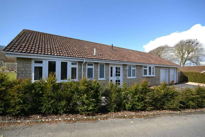 4 Bedrooms Detached Bungalow for sale in Glebeford Close, Owermoigne, Dorchester