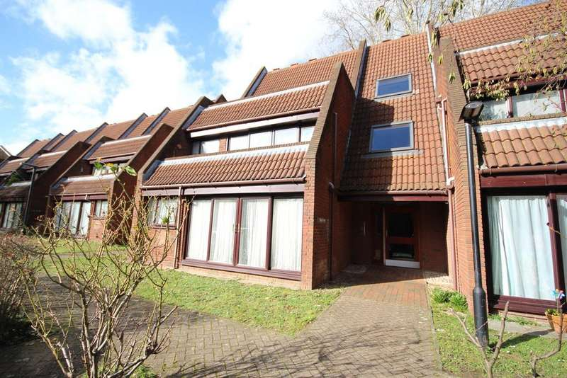 2 Bedrooms Apartment Flat for sale in Bailey Close, Maidenhead