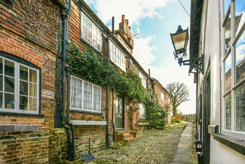 3 Bedrooms House for sale in Trader's Passage, Rye, East Sussex TN31 7EX