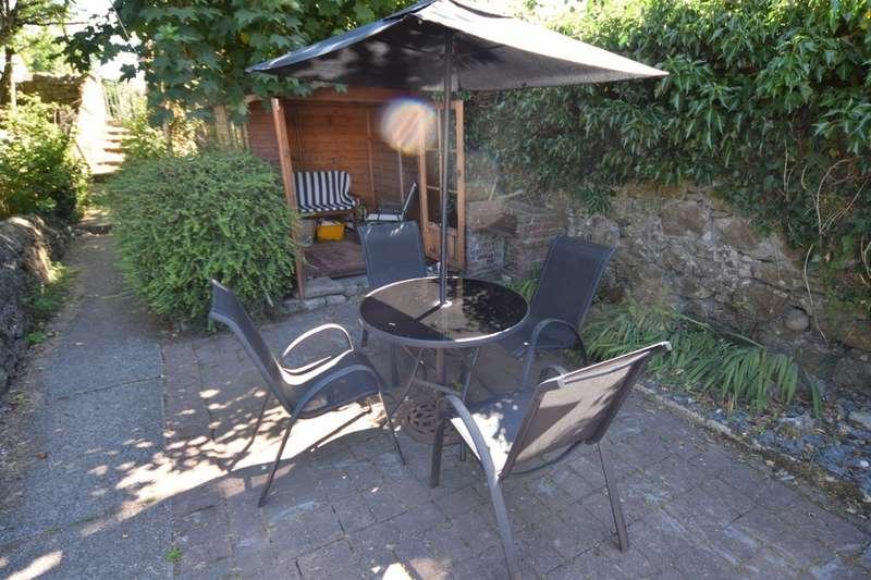 4 Bedrooms Terraced House for sale in Railway Terrace, Dalton in Furness