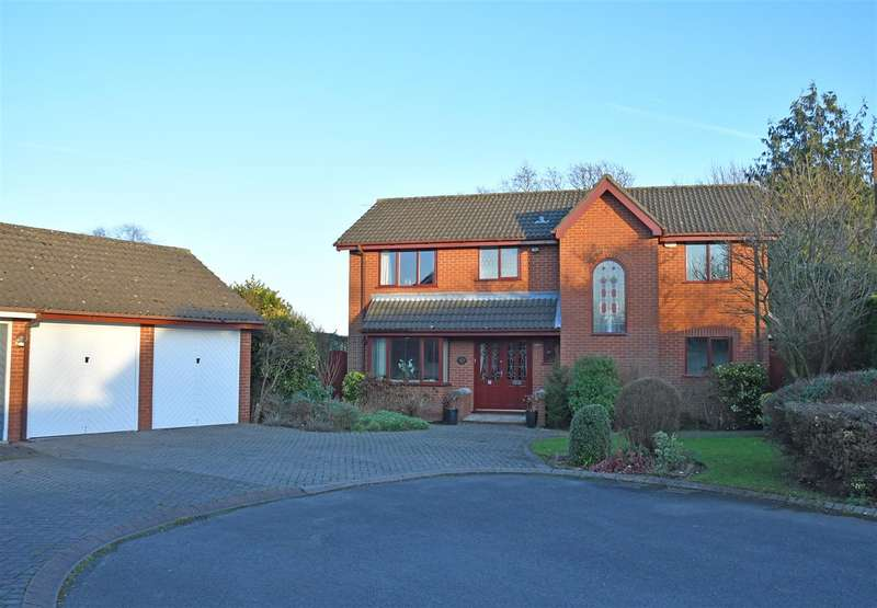 4 Bedrooms Detached House for sale in Crofton Close, APPLETON THORN, Warrington, WA4
