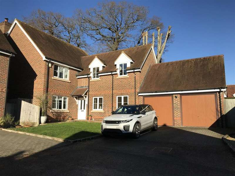 5 Bedrooms Detached House for sale in Oakridge, Wash Water, Newbury