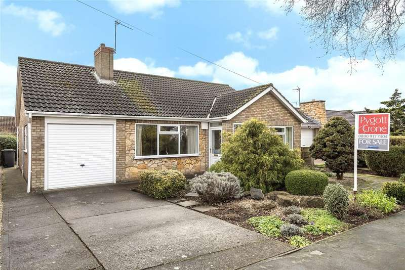 3 Bedrooms Detached Bungalow for sale in Conway Drive, North Hykeham, LN6