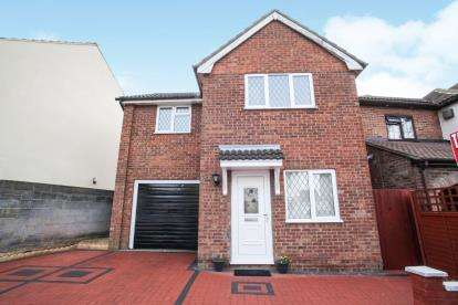 3 Bedrooms Detached House for sale in Rondini Avenue, Luton, Bedfordshire