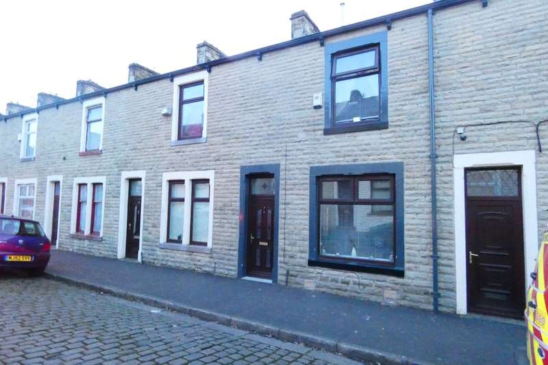 2 Bedrooms Terraced House for sale in Athol Street South, Burnley, Lancashire, BB11