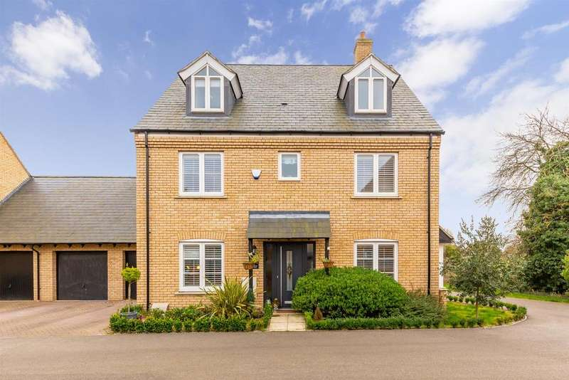6 Bedrooms Detached House for sale in Old Orchard View, Henlow