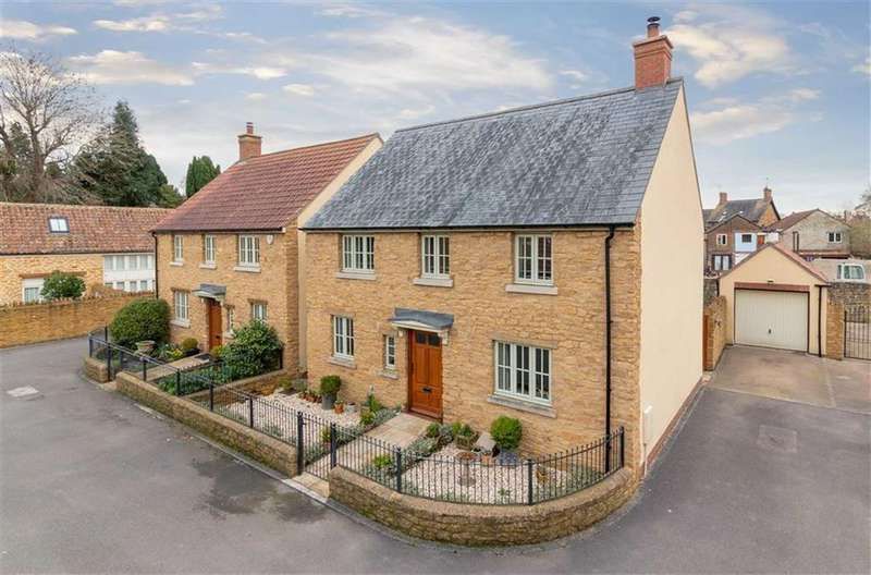 4 Bedrooms Detached House for sale in Millbrook Court, Prigg Lane, South Petherton, Somerset, TA13