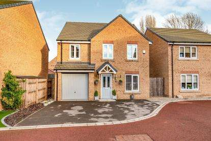 4 Bedrooms Detached House for sale in Spring Lodge Gardens, Guisborough, North Yorkshire, U.K.