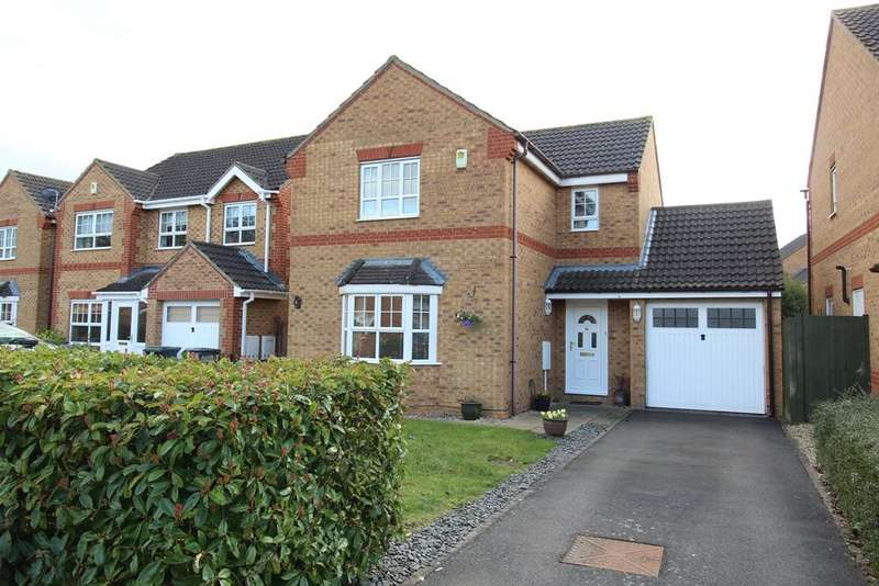 3 Bedrooms Detached House for sale in Wingfield Drive SG19