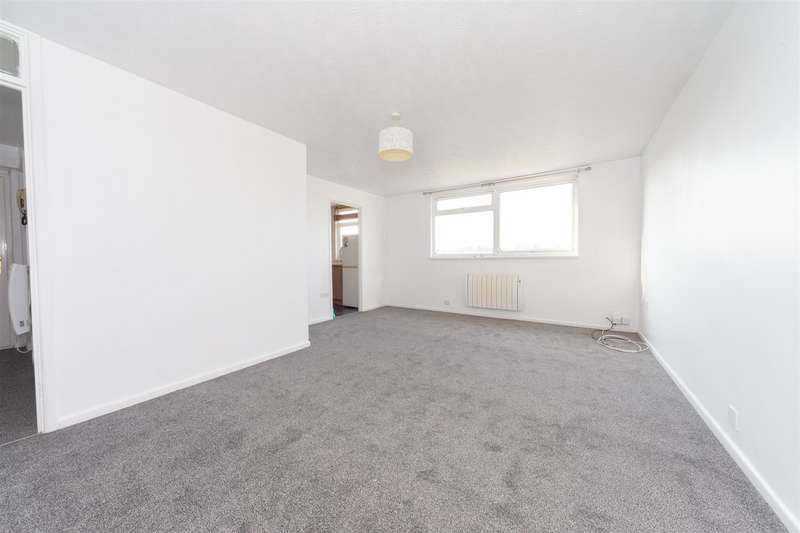 2 Bedrooms Flat for sale in Fermor Crescent, Luton