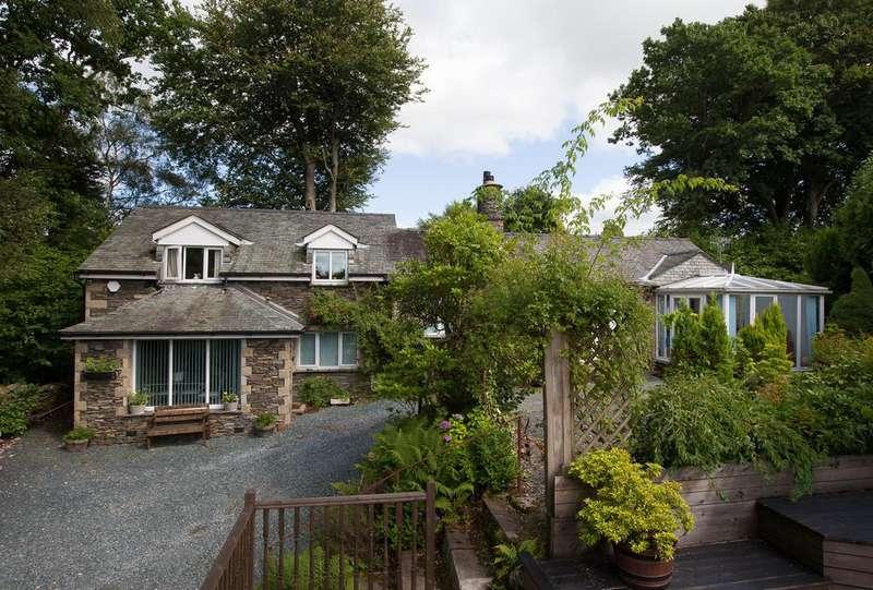 4 Bedrooms House for sale in Birthwaite Cottage, Birthwaite Road, Windermere, LA23 1BS