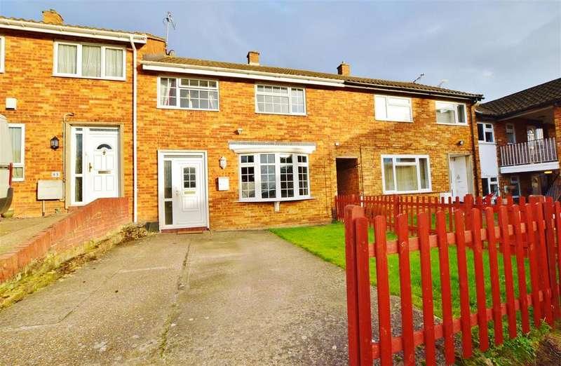 3 Bedrooms Terraced House for sale in Pemberton Road, Slough