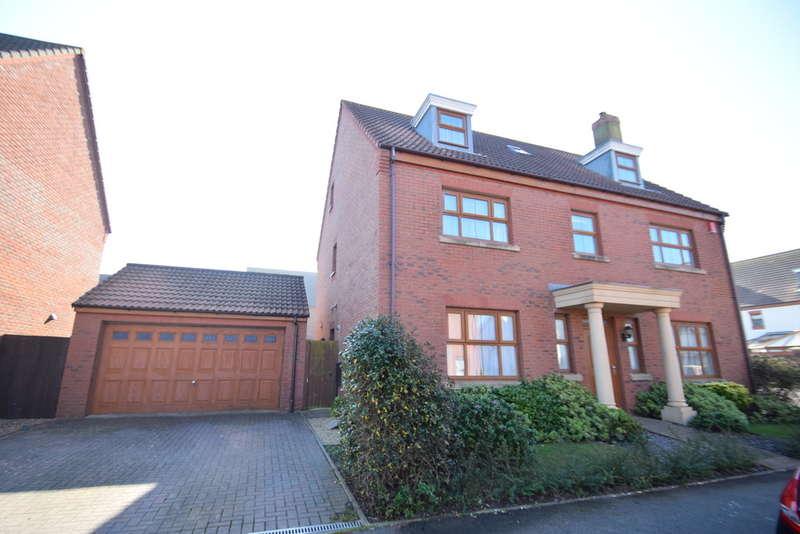 5 Bedrooms Detached House for sale in 24 Sanderling Way, Locks Common, Porthcawl, Bridgend County Borough, CF36 3TD