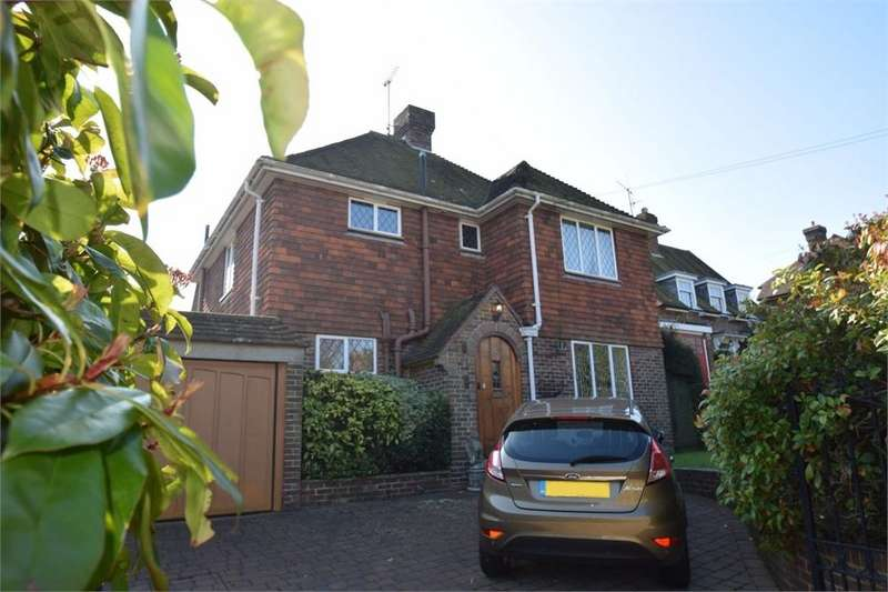3 Bedrooms Detached House for sale in Wedderburn Road, Willingdon, East Sussex
