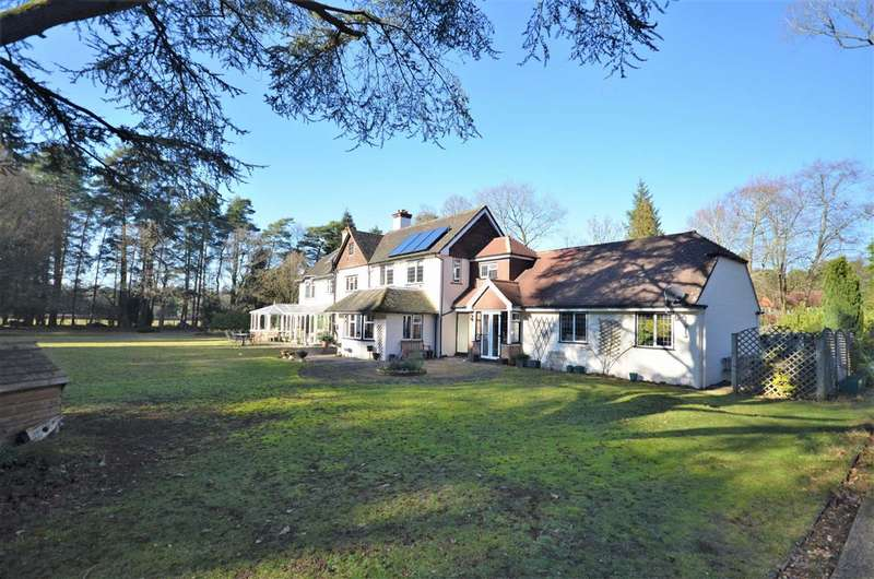 6 Bedrooms Detached House for sale in Lowicks Road, Rushmoor, Farnham
