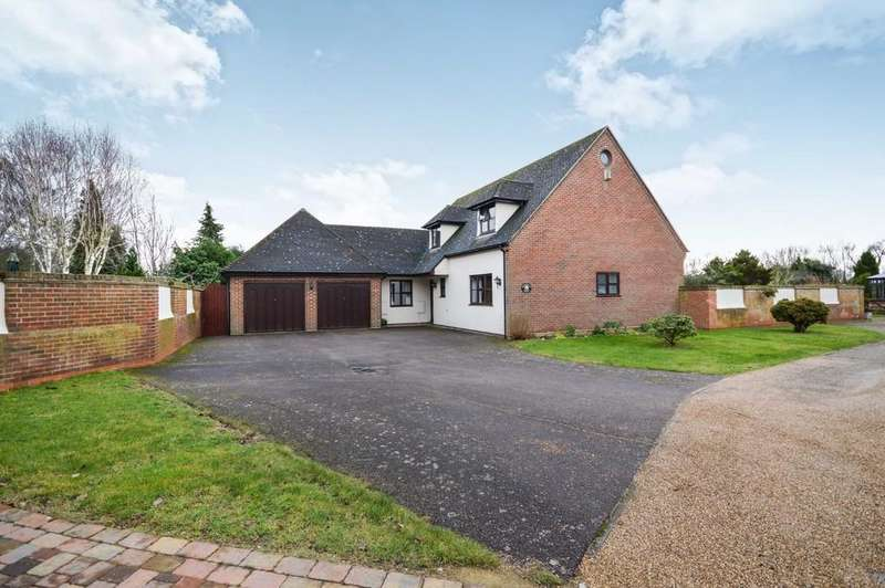 5 Bedrooms Detached House for rent in Stanway Green, Colchester