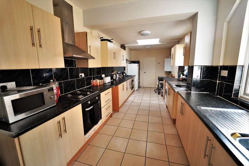 8 Bedrooms Barn Conversion Character Property for rent in 5 Arthur Street