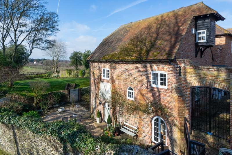 5 Bedrooms Semi Detached House for sale in Church Cottage Oasts, Vicarage Lane, Selling, ME13