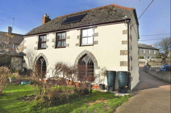 4 Bedrooms Town House for sale in Gables, Fore Street, PORTHEVEN, TR13