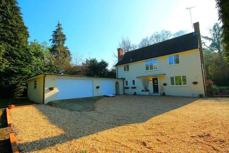 4 Bedrooms Detached House for sale in Church Hill, Camberley