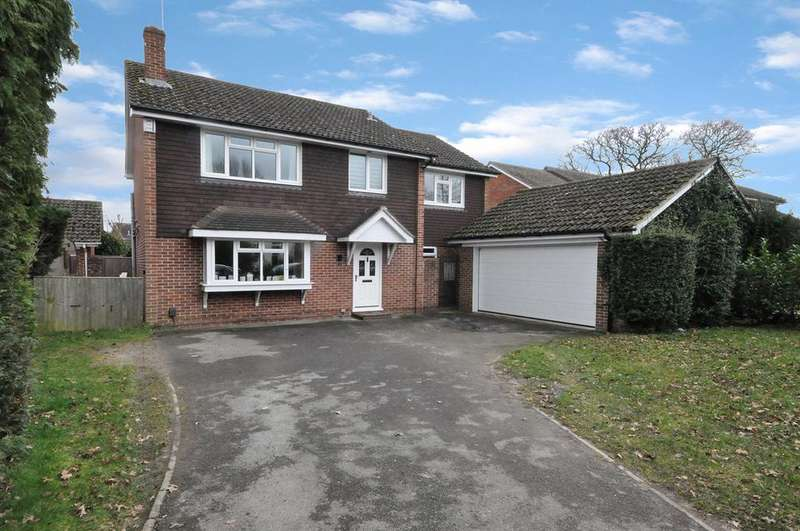 5 Bedrooms Detached House for sale in Western Avenue, Woodley, Reading, RG5 3BH