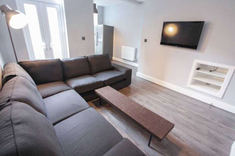 6 Bedrooms House for rent in Redgrave Street, Liverpool **No student application fees**