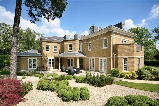 8 Bedrooms House for rent in Titlarks Hill, Sunningdale, Ascot, Berkshire, SL5
