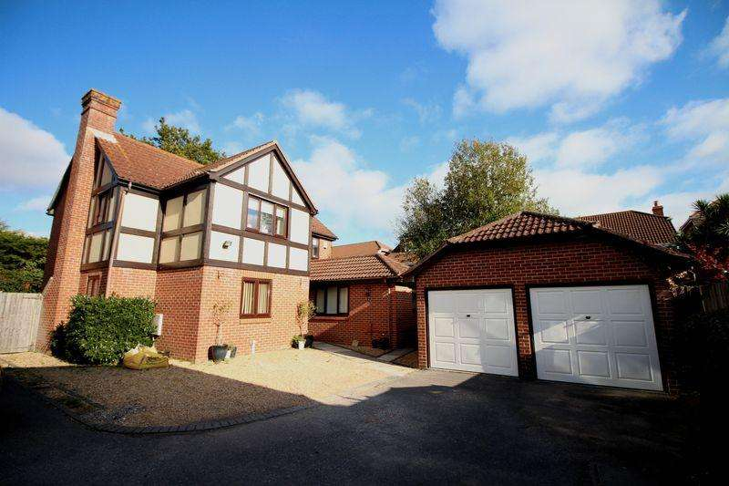 4 Bedrooms Detached House for sale in Cutter Avenue, Warsash