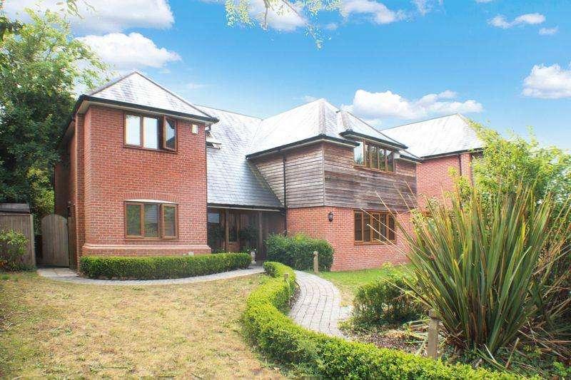 4 Bedrooms Detached House for sale in Botley Road, Burridge
