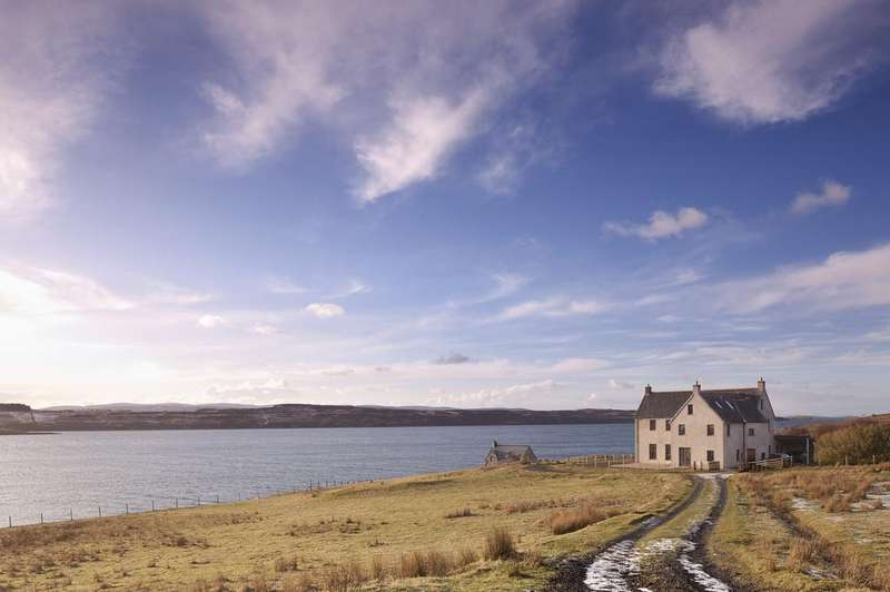 5 Bedrooms Detached House for sale in Crionach The Boathouse, 3 Kingsburgh, Isle of Skye