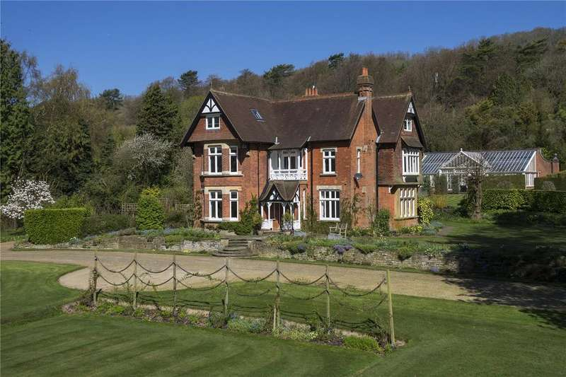 5 Bedrooms Detached House for sale in Pilgrims Way, Westerham, Kent, TN16