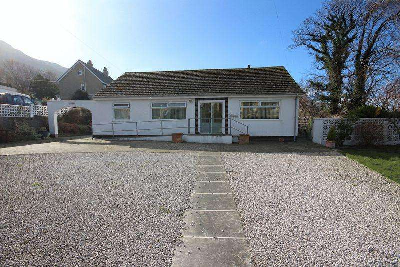 3 Bedrooms Detached Bungalow for sale in Gilfach Road, Penmaenmawr