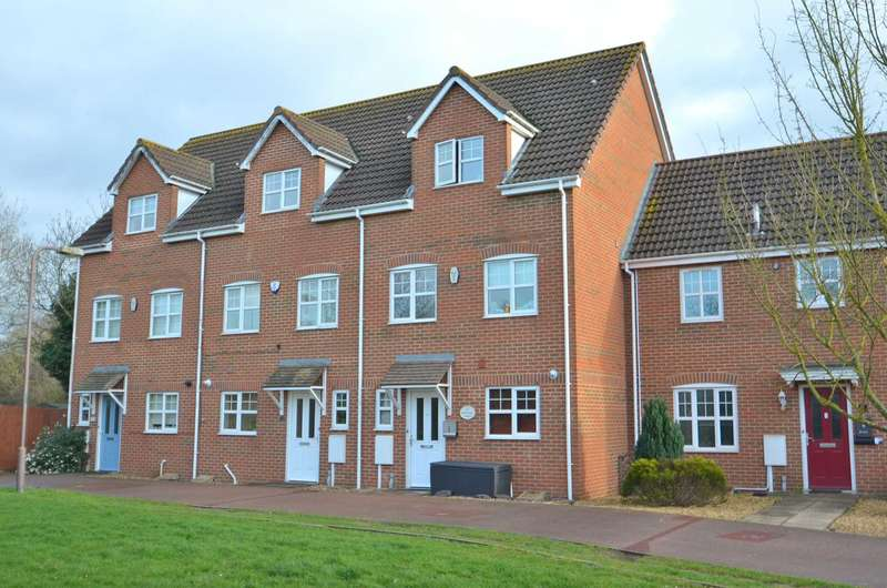 4 Bedrooms Town House for sale in Edwards Croft, Bradville