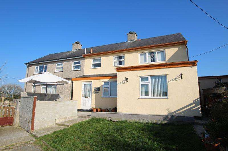 3 Bedrooms Semi Detached House for sale in Llannerch-Y-Medd, Anglesey