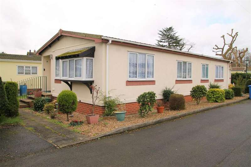 2 Bedrooms Park Home Mobile Home for sale in The Willows, Windsor