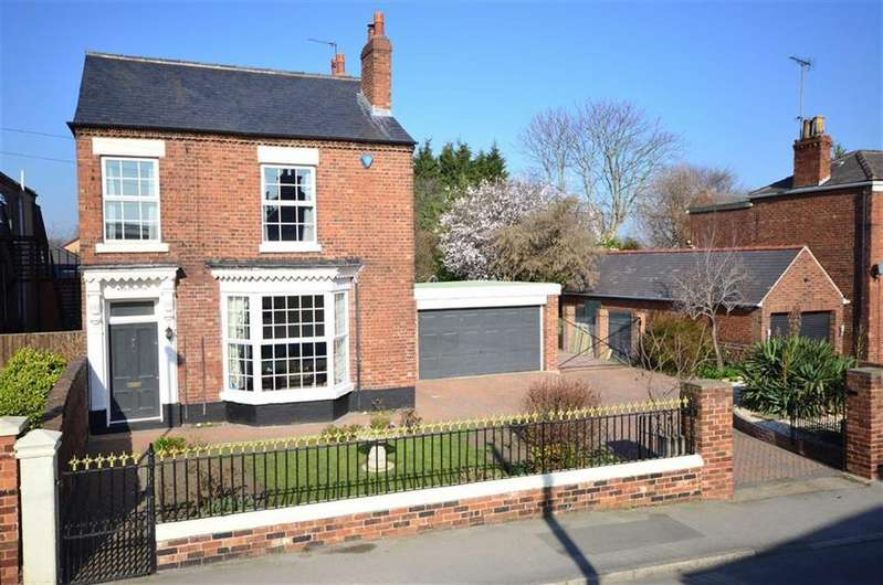 4 Bedrooms Detached House for sale in Rope Walk, Knottingley, WF11