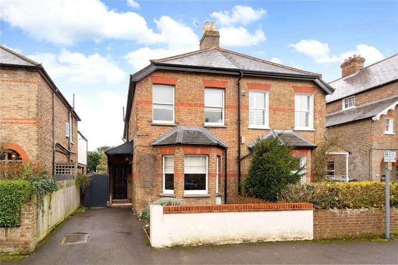 5 Bedrooms Semi Detached House for sale in Montagu Road, Datchet, Slough, SL3