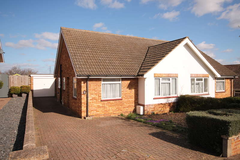 2 Bedrooms Bungalow for sale in Curlew Crescent, brickhill, Brickhill, MK41