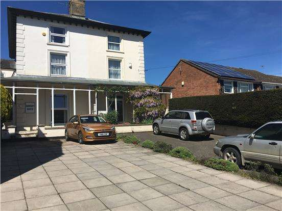 6 Bedrooms Semi Detached House for sale in Barton Road, TEWKESBURY, Gloucestershire, GL20 5QH