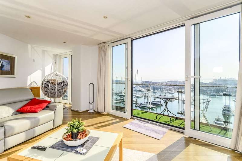 2 Bedrooms Flat for sale in Channel Way, Ocean Village, Southampton, SO14
