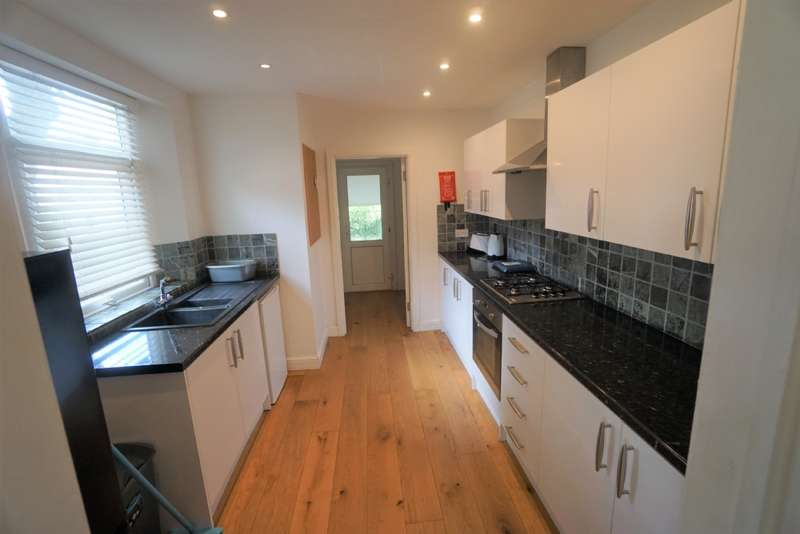 5 Bedrooms House for rent in Downend Road, Downend, BS16
