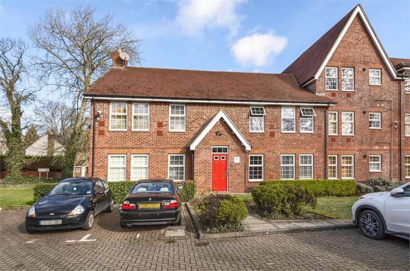 2 Bedrooms Flat for sale in New Horton Manor, Dawn Redwood Close, Horton, Berkshire