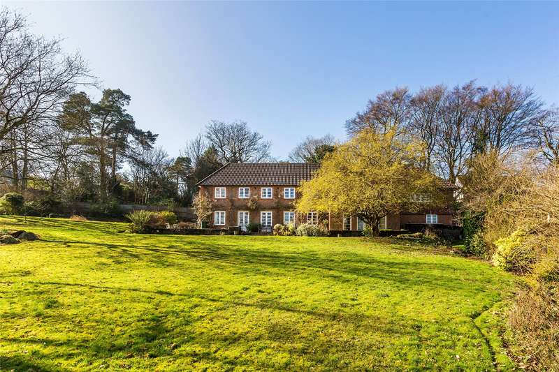 7 Bedrooms Detached House for sale in Brassey Road, Oxted, Surrey, RH8
