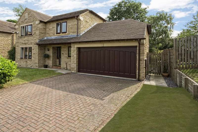 4 Bedrooms Detached House for sale in Pinewood Gardens, Mirfield, WF14 9TB