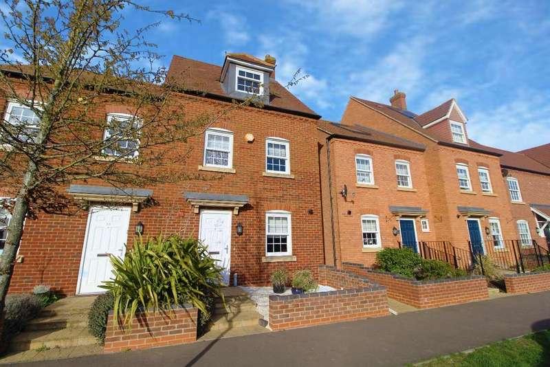 4 Bedrooms Semi Detached House for sale in Wilkinson Road, Kempston, Mk42